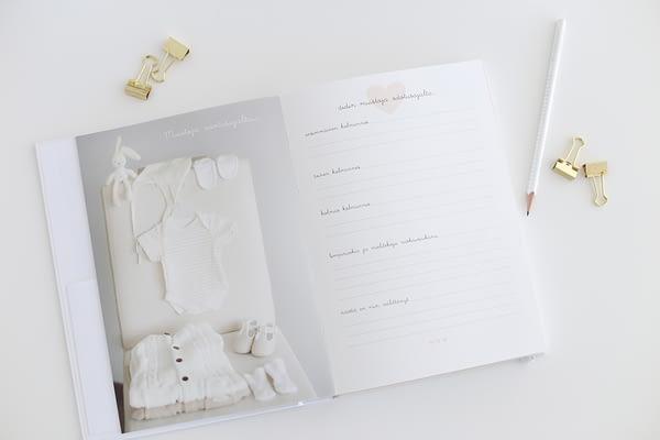 Linnolahti white baby books