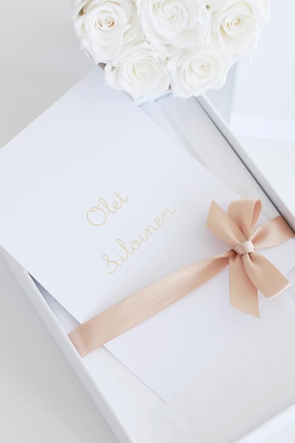 kaunis vauvakirja